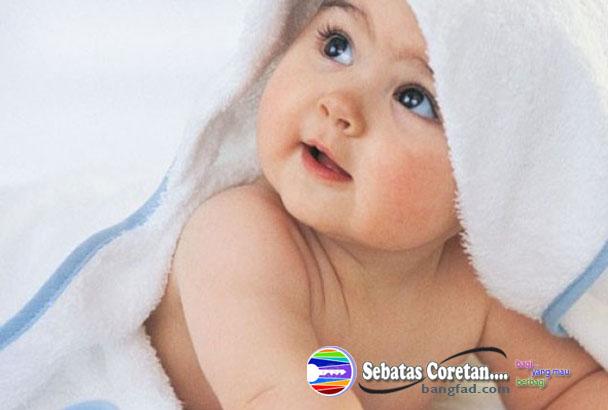 Tips menjaga Kelembaban Kulit Bayi