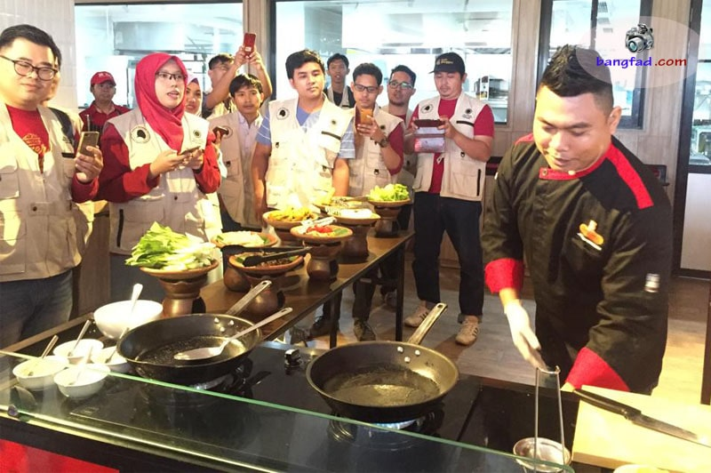 Demo masak dengan panganan khas alami