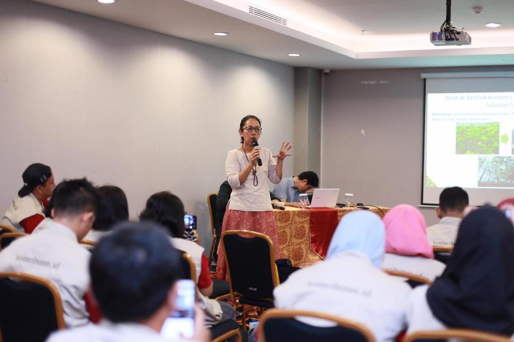 Dr. Atiek Widayati (Tropenbos Indonesia)